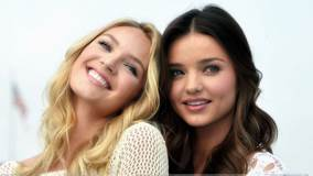 Smiling Miranda Kerr N Candice Swanepoel At Victoria&#8217;s Secret SWIM Collection